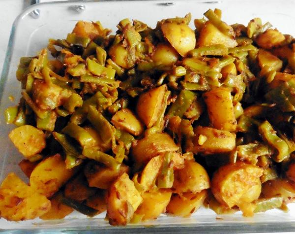 Basic Recipe For Vegetable Bhaji  Without Onions (Dry Curry)