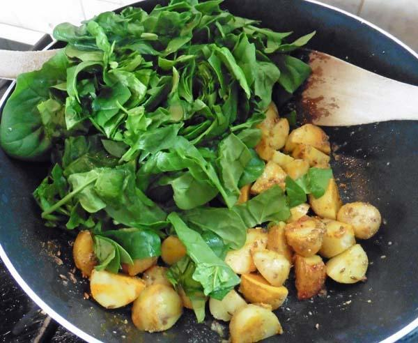 Saag-Alu, Potato & Spinach Bhaji Without Sauce