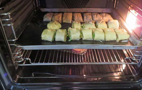 Vegetable Sausage Rolls With Samosa Filling