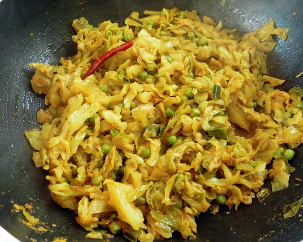 Cabbage Bhaji/Sabji 8 With Peas